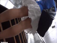 盗撮 階段やエスカレーターで可愛らしい女子大生たちのスカートめくっちゃ...