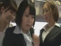 バスでレズ痴漢師2人組にペニバン攻めされるOL動画