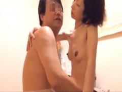無修正素人個人撮影 どっかの熟年夫婦が普段のラブラブセックスを自ら撮影...