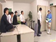 巨乳清掃員がオフィスで襲われる! 無理やり脱がされフェラ抜き、続けて挿...