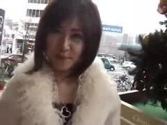 車の中でオナニーしたりフェラしたりする変態美女 個人撮影 美少女 オナニ...