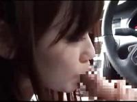 ナンパした清楚な女の子が車の中でフェラ抜き! 電マでヒクヒク痙攣しちゃ...