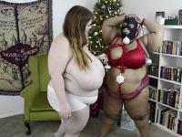 デブ専レズ 縛り上げたデブ女にクリスマスの飾りつけをする変態女!