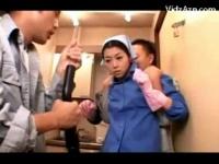 黒髪熟女の乳首を掃除機で吸うパンパンエロ動画
