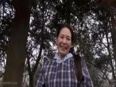 熟女ナンパ  農家で働く四十路熟女を農道ナンパ セックス?大好きみたいですw
