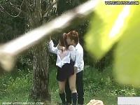 発情期の女子校生カップルが公園の野外セックス