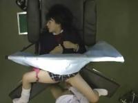 制服を着た女優と医者が正常位で性行為する動画