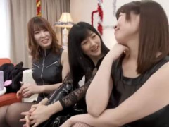 イケメン男優たちと女王様ゲームをするベテラン女優たち