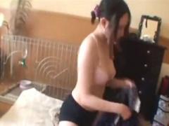素人レズ個人撮影 生活感いっぱいな自室でごく普通の一般JDビアンカップル...