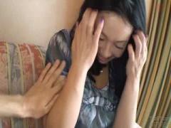 熟女 人妻さんのお尻の蕾にハメ撮り 大きなおちんちんが蕾にはめ込み中出し