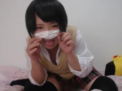 ヤバいやつ ライブチャット動画無修正 JKっぽい激かわ黒髪美少女 ぽっちゃ...