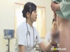 ナース 検査のために患者のチンポを勃起させて計測を行い射精直前の状態を...