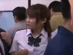 バスで制服をぬがされて集団でレイプ痴漢されるJK動画