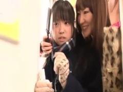 怪しいお姉さんたちにレズレイプされ電車内で処女喪失する女子校生