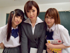 夢のようなハーレム学園生活! 美少女同級生と痴女教師...