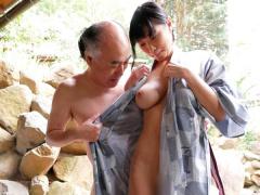 激カワ美少女が一泊二日の温泉旅行でハゲおやじと露天風呂でセックス