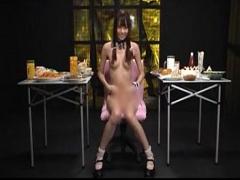 ウンコの準備で美人お姉さんが食べまくる咀嚼フェチ動画
