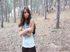 無修正 外国人美女が森深くに迷い込み得体の知れない気配に逃げ惑うもとっ...