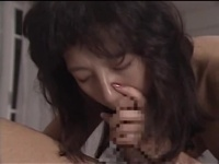 男の愛撫に艶めかしく喘ぐ色気漂う美熟女の絶品SEX!