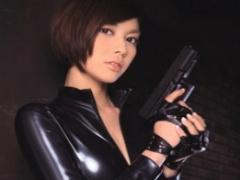 悪の組織に単独で潜入する美人女捜査官、組織に捕らえられてしまいレイプ...