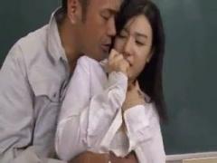 清純な女性教諭が清掃業者に汚され性交! 汗臭いチンポを舐めてガン突き絶...