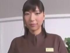 地味系な痴女エステ店員のオイルマッサージ手コキに強制射精させられるM男...