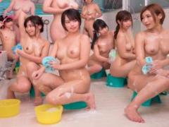 銭湯の女風呂で 時間を止める! もちろんやることはただ一つ、エロいことの...