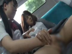 バスの中で女子校生に痴女られアソコに媚薬を塗られて発情し指を突っ込ま...