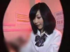 現役JKが在籍する裏ピンサロを盗撮→大人チンポを奉仕する少女の姿がw