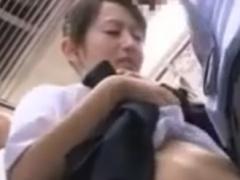 満員電車でMっぽいJKに素股痴漢しちゃう動画
