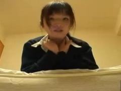 可愛い制服美少女JK自撮りおまんこオナニーリベンジポルノ! 膣に指入れく...