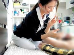 ライブチャット 何これ、おっきいww 看護婦さんが制服持参でライチャ出演!...