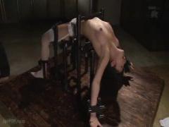 Dカップ美人ギャルの手足を鉄錠に嵌めて鬼畜凌辱! 胃液逆流のイマラ姦&大...