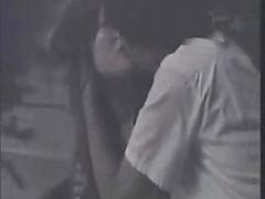 夜の繁華街の死角で発情したカップルが青姦している様子を隠撮