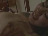 彼女が酔い潰れて寝てしまったので彼女の友人と顔射セックス