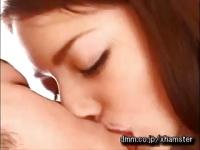 可愛いRio と正常位で性行為する動画