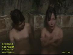 女将 アベック客の女性を襲ってレズり男に写真を撮らせて3Pする温泉宿の女将