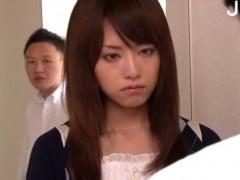 新婚ホヤホヤな美人教師をレイプし動画撮影するDQN生徒