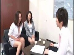 オフィスに営業のふりしてデリで来る美熟女2人組