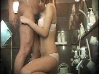 羞恥のエロマッサージ! 混浴風呂で全裸で泡々おちんぽ洗い!