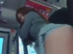 バスでミニスカニーハイお姉さんをレイプ痴漢動画