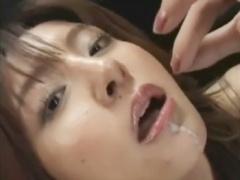 ごっくんNG女優が大量の精子を飲んだ作品