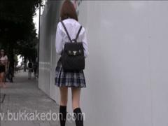 盗撮 街で可愛い女子校生を追いかけてパンチラ逆さ撮り