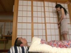 五十路の熟母が息子に発情しまくり 楠由賀子