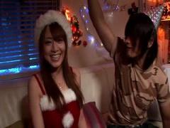 M君のお願いを過酷に挑発しチンコを責めまくる美乳な痴女サンタクロース