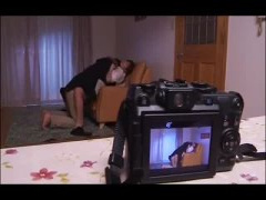 不倫の一部始終を撮影されてしまう人妻