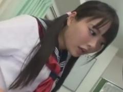 痴女JKのアナル指攻め手コキに強制射精させられるM男動画