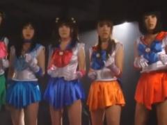 琥珀うた 橘美穂 女戦士5名が屈辱的な凌辱を受ける! 衣装を破かれ中出し。