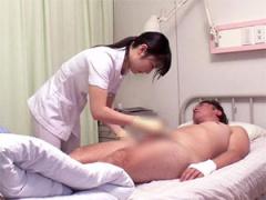 せんずりぶっこく患者を手コキでお手伝いする献身的な看護師