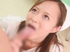 誰のチンポでも構わない淫乱痴女ナース、男性患者を誘惑してセックス! フ...